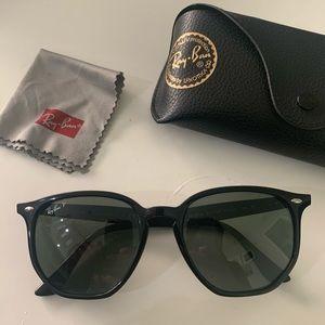 Men's Polarized Black RayBan Sunglasses